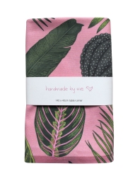 FoliageOnPink_TableRunner
